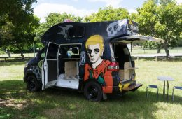 wicked-campers-hire